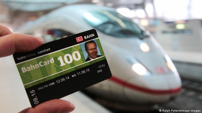 Symbolbild   Mobility Bahncard 100 der DB Deutsche Bahn