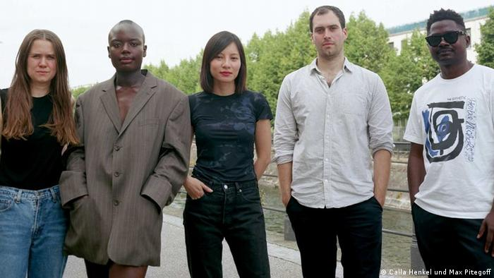 Die Nominierten für den Preis der Nationalgalerie 2021: Calla Henkel, Sandra Mujinga, Sung Tieu, Max Pitegoff, Lamin Fofana (v.l.n.r.)