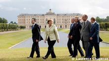 Nur für die abgesprochene Berichterstattung! *** Copyright Laurence Chaperon Unterschrift: Angela Merkel beim G8-Gipfel in St. Petersburg im Juli 2006 Von links nach rechts: Romano Prodi, Angela Merkel, George W. Bush, Tony Blair, Jacques Chirac, Wladimir Putin