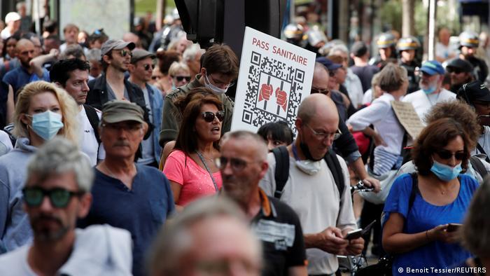 Paris | Proteste gegen Impfpflicht