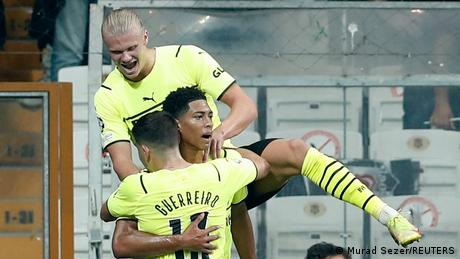 Champions League: Jude Bellingham leads Borussia Dortmund to victory