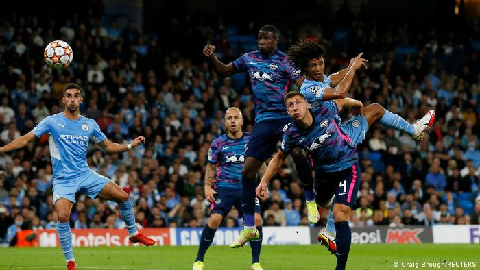 Champions League | Manchester City v RB Leipzig Tor Ake