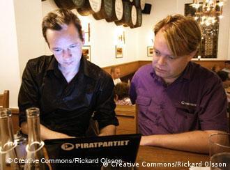 Wikileaks founder Julian Assange (left) and Pirate Party leader Rick Falkvinge