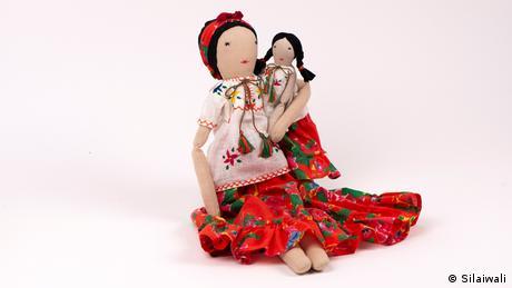Hand-made dolls by Hazara women in India