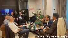 ***Nur zur abgesprochenen Berichterstattung von Radomir Krackovic**** Krivokapic, Djukanovic, dem Parlamentspräsidenten und Vorsitzenden der Demokraten Aleksa Becic und dem stellvertretenden Regierungsvorsitzenden und URA-Vorsitzenden Dritan Abazovic während eines Treffens zu Beginn dieses Jahres