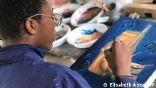 Es zeigen Kunstsachen, die durch Straßenkinder in Yaounde gemacht wurden . Die Bilder sind am 15.09.2021 aufgenommen. Autorin: Elisabeth Asen (DW Yaounde)