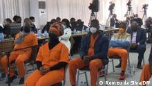 Angeklagte warten im Gerichtssaal des Maputo-Gerichts in Mosambik im Rahmen des Verfahrens wegen versteckter Schulden. Fotograf: Unser Korrespondent Romeu da Silva, 16.09.2021, Maputo, Mosambik.