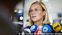 Den Haag, 16.9.2021*** Sigrid Kaag, Außenministerin der Niederlande, spricht mit Journalisten. Kaag ist nach scharfer Kritik des Parlaments an der gescheiterten Afghanistan-Evakuierung zurückgetreten. +++ dpa-Bildfunk +++