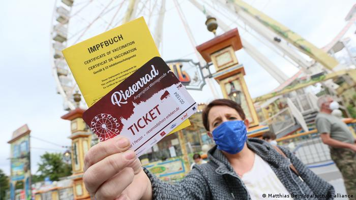 Vaccination fun: in Dresden you can give a free ride on a wheel by presenting your vaccination card.