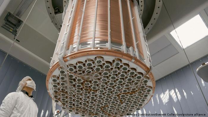 El XENON1T, diseñado para detectar directamente la materia oscura.