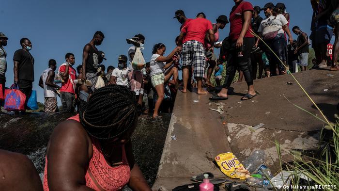 Migrants in Rel Rio, Texas