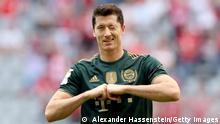 Robert Lewandowski celebrates after his goal in the second have against Bochum