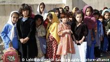 Pupils of the girls' school in Surobi village, Afghanistan November 23, 2006. Photo: Heikki Saukkomaa +++(c) dpa - Report+++