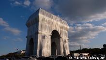 Paris, Arc de Triomphe Christo und Jeanne-Claude Kunstwerk. Verhüllung des Triumphbogens.