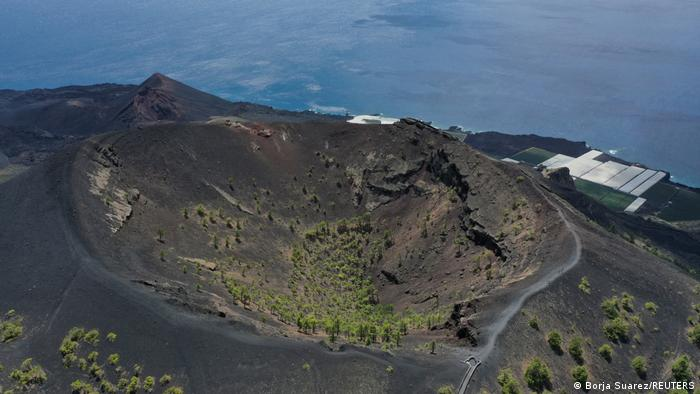 An ariel shot of the ridge and craters of the Cumbre Veija volcano