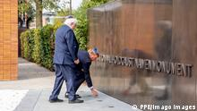 19-09-2021 Amsterdam King Willem-Alexander with Jacques Grishaver during the unveiling of the National Holocaust Memorial of Names in Amsterdam. PUBLICATIONxINxGERxSUIxAUTxONLY Copyright: xPPEx