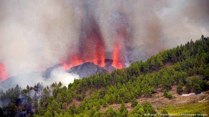Vulcão em erupção nas Ilhas Canárias