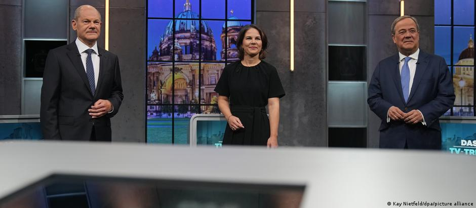 Olaf Scholz, Annalena Baerbock and Armin Laschet take part in a final election debate
