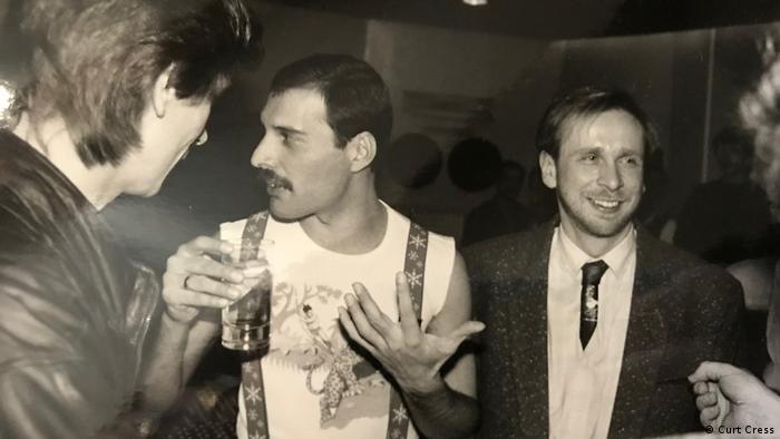 Фредди Меркьюри с мюнхенским барабанщиком Куртом Крессом