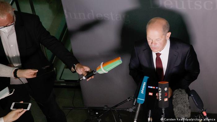 Olaf Scholz la comisia de Finanţe din Bundestag