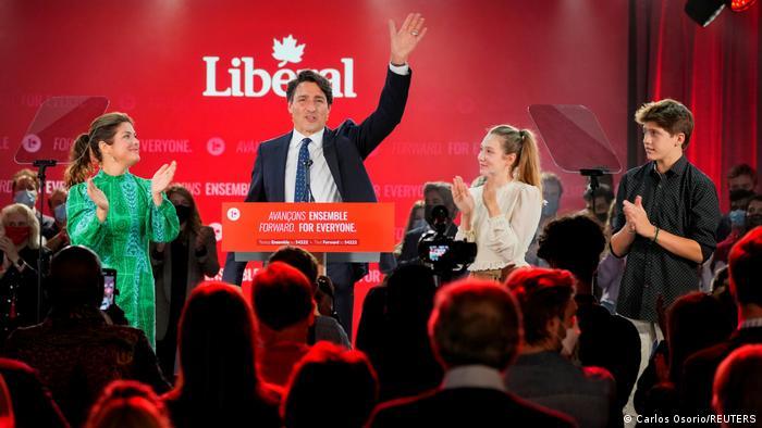 Премьер-министр Канады Джастин Трюдо выступает с речью в Монреале, 21 сентября 2021 года
