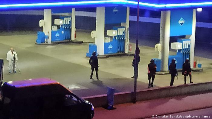 Policija na benzinskoj pumpi u Idar-Oberštajnu na kojoj se dogodilo ubistvo