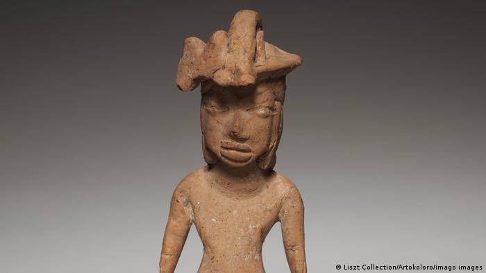 Figurilla femenina de Tlatilco en México (1200-900 a.C.
