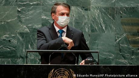 Foto de Jair Bolsonaro con mascarilla en Naciones Unidas