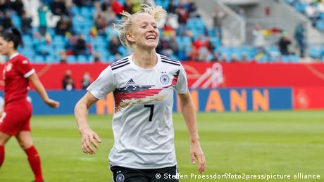 World Cup Qualifying: Lea Schüller's four-goal heroics paper over Germany's cracks