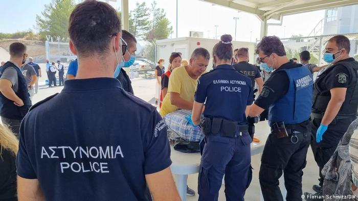 U novom logoru na Samosu uvedene su stroge mere obezbeđenja