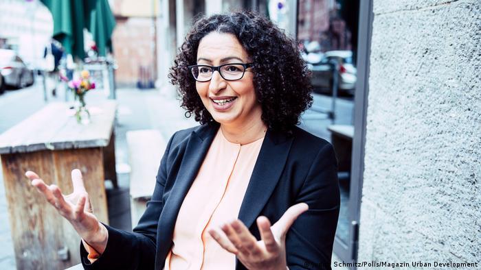 البروفسورة لمياء المساري – بيكر، ألمانية من أصول مغربية، أستاذة تكنولوجيا البناء وفيزياء البناء في جامعة زيغن.