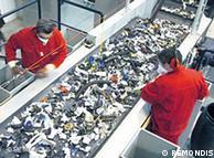"""""""Cada teléfono móvil contiene 23 miligramos de oro; ese es un valor promedio"""", explica un experto en reciclaje."""