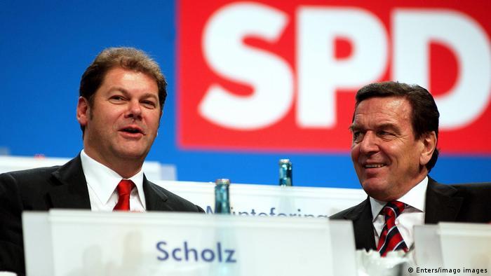 Шольц був генеральним секретарем СДПН ще за часів Ґергарда Шредера