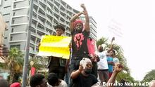 Jugendliche demonstrieren in Luanda, Angola, gegen Polizeigewalt gegen Bürger. 24.09.2021, Luanda, Angola via Jorge de Noronha Do, 23.09.2021 19:53