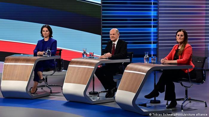 Анналена Бербок, Олаф Шольц и Жанин Висслер