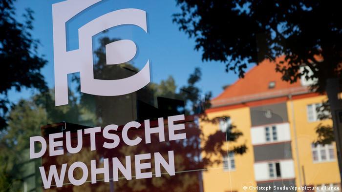 Logo de la inmobiliaria Deutsche Wohnen, en Berlín.