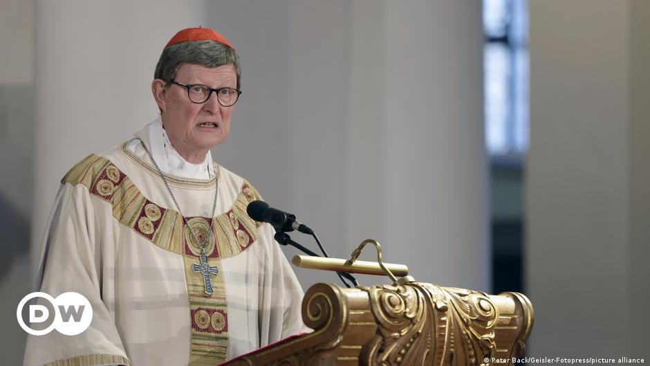 Papst Franziskus belässt Kölner Kardinal Woelki im Amt - vorerst
