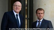 French President Emmanuel Macron and Lebanese Prime Minister Najib Mikati