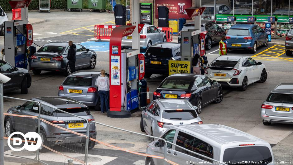 UK: Fuel shortage drives U-turn on short-term visas