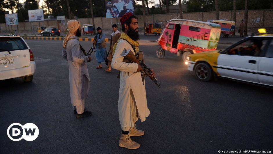 Taliban stellen Entführer-Leichen zur Schau