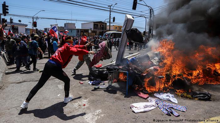 Foto de protesta contra migrantes en Iquique