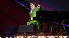 PARIS, FRANCE - SEPTEMBER 25: Elton John performs on stage during Global Citizen Live on September 25, 2021 in Paris, France. (Photo by Marc Piasecki/Getty Images For Global Citizen)