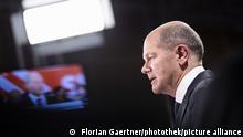 Olaf Scholz, Kanzlerkandidat der SPD, aufgenommen waehrend einer TV-Schalte nach der Verkuendung der Prognosen zur Bundestagswahl in Berlin, 26.09.2021. Demnach sind die SPD und die CDU nahezu gleichauf. Copyright: Florian Gaertner/photothek.de