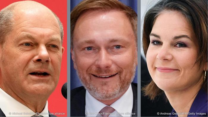 Olaf Scholz, candidato a canciller socialdemócrata (i), Christian Lindner, líder de los liberales (c), y Annalena Baerbock, líder de Los Verdes (d).