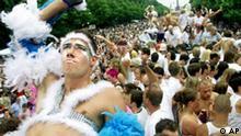 Tänzer auf der Love Parade 2002