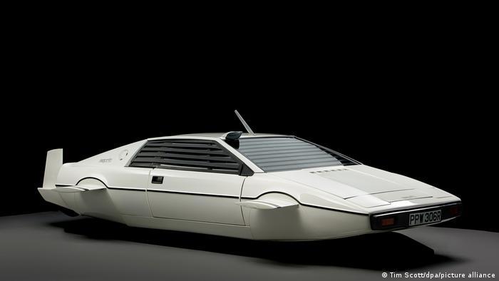 Шпион, который меня любил (1977): Lotus Esprit S1