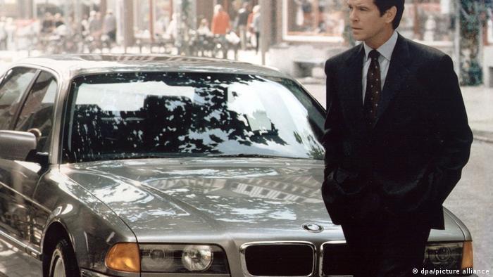 Завтра не умрет никогда (1997): BMW 750 iL
