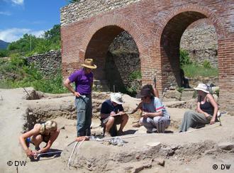 Арехолози во Хераклеа (архива)