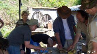 Archäologen in Heraklea Mazedonien