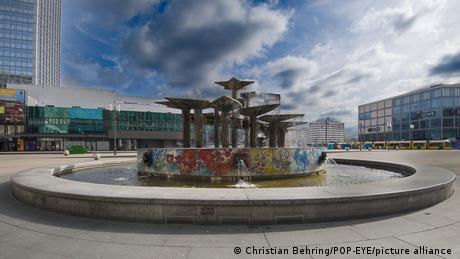 Fonte da Amizade na praça Alexanderplatz